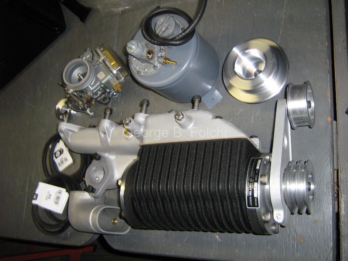 Mercedes-Benz 190 kit outside